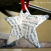 3 diy Christmas ornament ideas {light bulb, book page and beads}