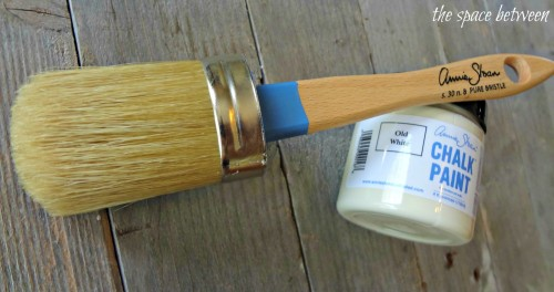 annie-sloan-chalk-paint-and-brush