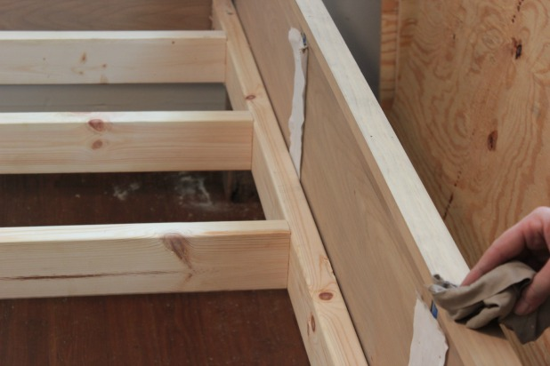 Good  diy wood frame bed u
