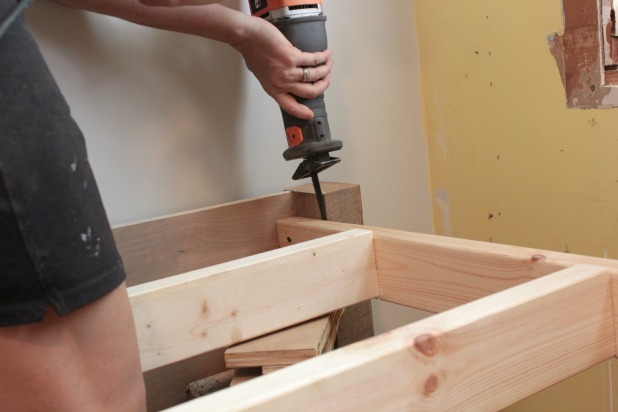 some wood bed frame making tips for you
