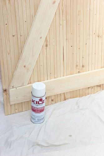 guest-bedroom-diy-wood-closet-doors-primer