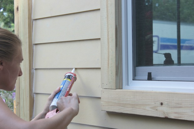 How to caulk exterior siding and why not to caulk fresh - Wood filler or caulk for exterior trim ...