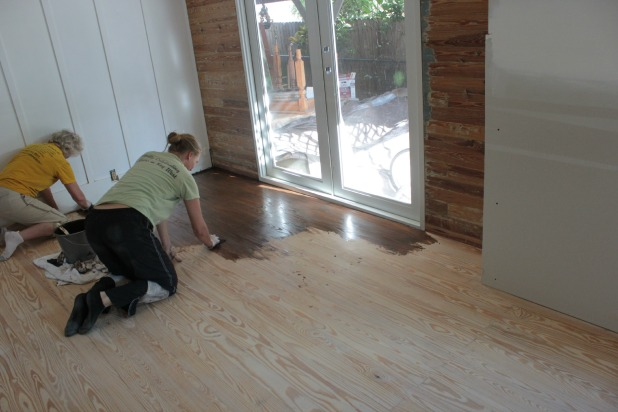 living-room-floor-staining-with-mom