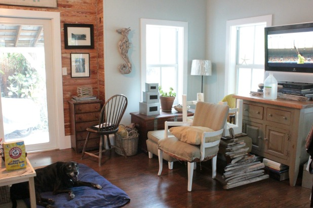 messy living room - Google Search | Home staging, Room ...