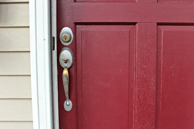 Exterior Door Knobs painting door knobs {without removing them}