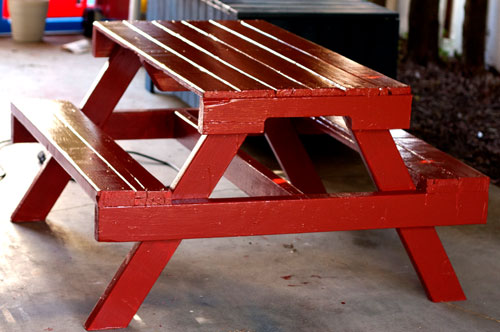 Upcycling Ideas - pallet slat picnic table