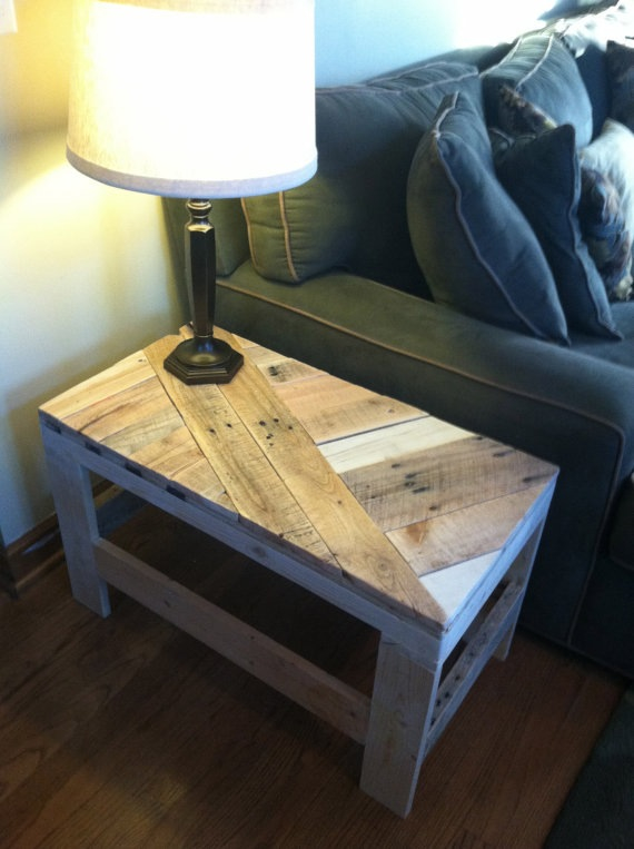 Upcycling Ideas - pallet slat side table